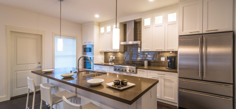 How to Match Flooring to Kitchen Cabinets