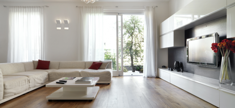 How to Match Wood Tones to Wall Colours